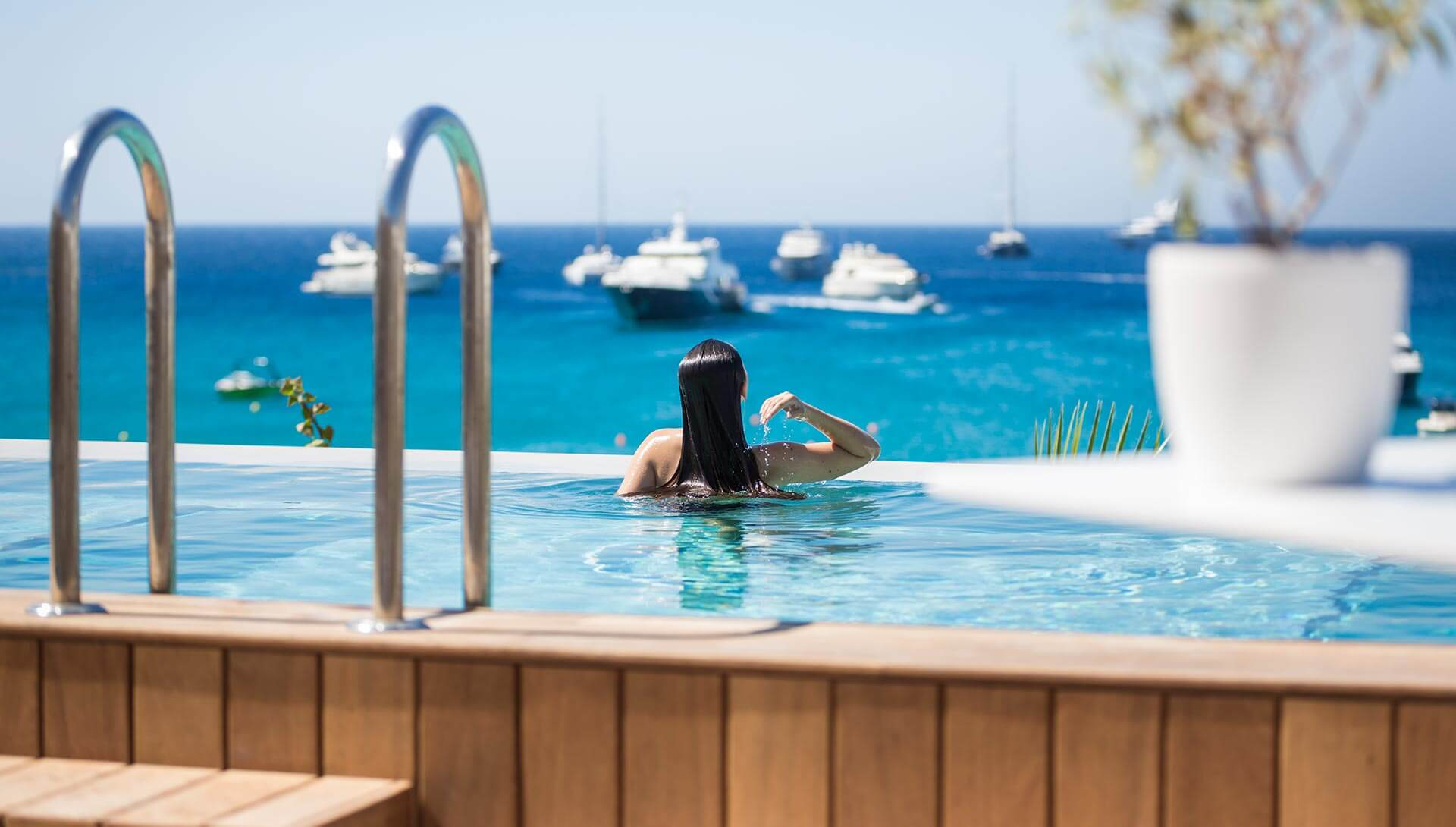 Mykonos Dove Suites